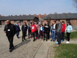 Czytaj więcej: Człowiek człowiekowi zgotował ten los – wycieczka do obozu zagłady w Oświęcimiu